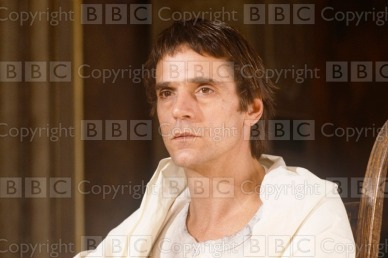 """Everyman : The Dream Transmission Date: 29/03/1991 Annotation: Picture Shows –Jeremy Irons.Everyman Special wth Jeremy IRONS in a one-man drama,adapted frm a DOSTOEVSKY short story """"The Dream of a Ridiculous Man"""" by Murray WATTS. In his dream, the Man visits an unspoilt Garden of Eden. Personalities: Irons, Jeremy Location: GB Genre: Features Ref Number: 14849900"""